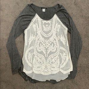 Venus gray and white lace long sleeve shirt